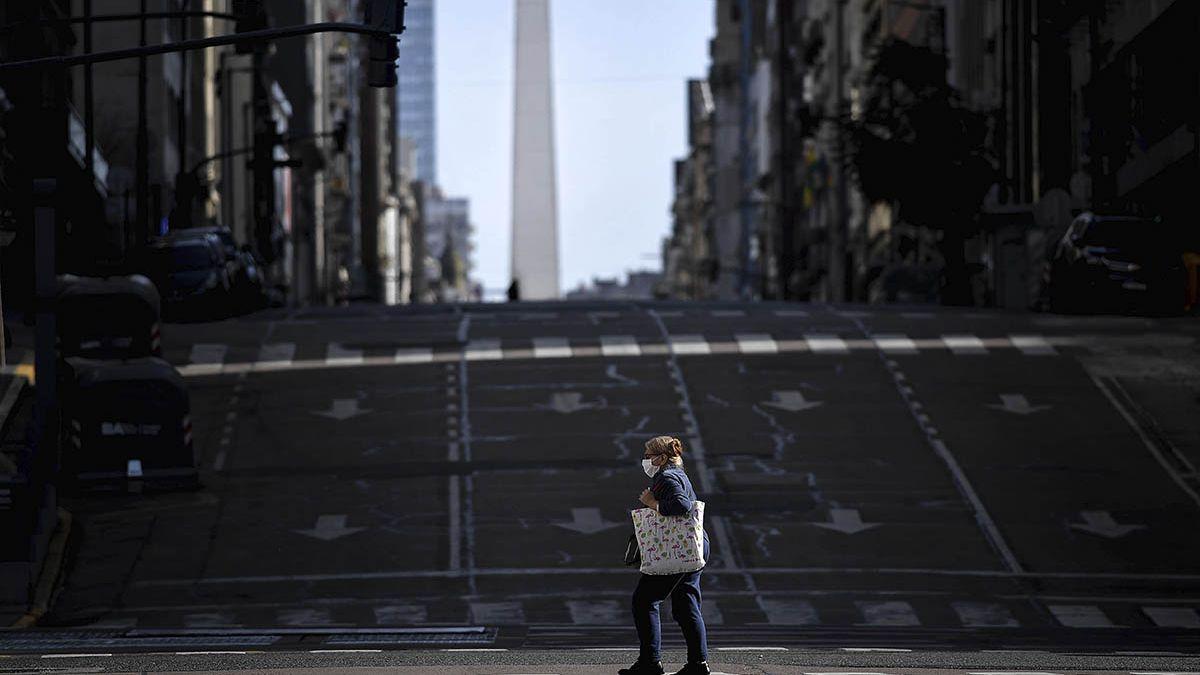 Rigen las restricciones para mitigar la segunda ola de coronavirus en Argentina