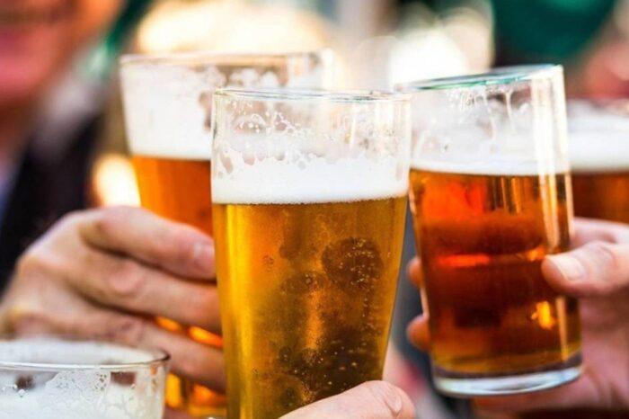 Francia prohibirá tomar alcohol en la calle para frenar al coronavirus