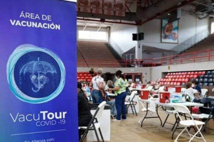 Adultos mayores y personas con síndrome de Down reciben segunda dosis vacuna COVID-19 en San Germán