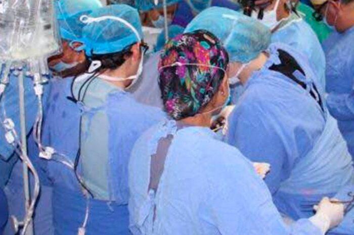 Realizan primer trasplante de pulmón con donantes vivos
