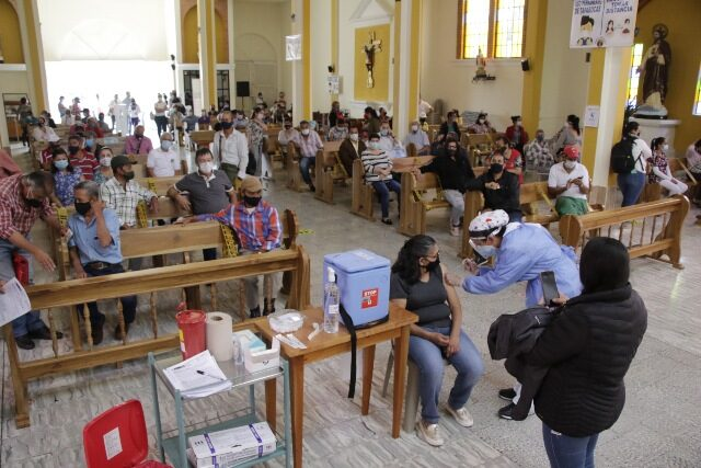 A 200 personas las vacunaron ayer en El Bajo Tablazo